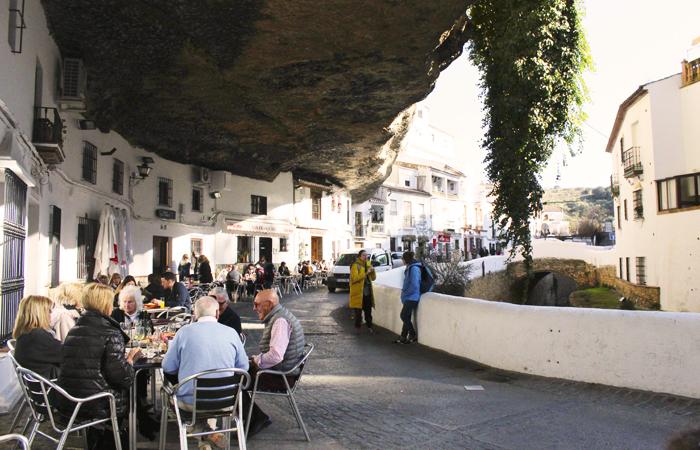 Setenil de las Bodegas_calle cuevas
